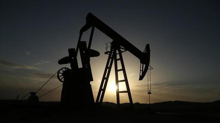 ABD'de ham petrol stokları ve üretimi azaldı