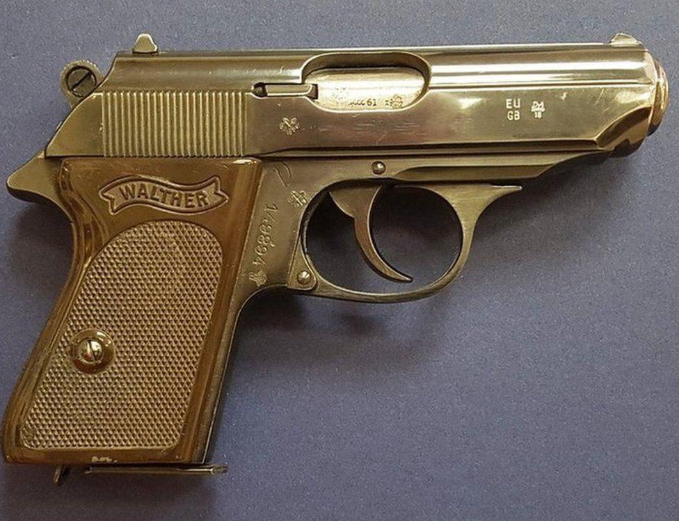 James Bond'un silahı satıldı