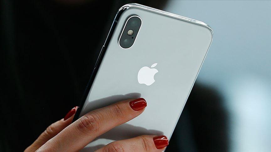 Apple, akıllı telefon satışında Samsung'u geride bıraktı
