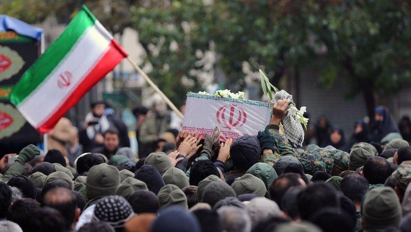 İran'da emekliler maaş protestosu düzenliyor