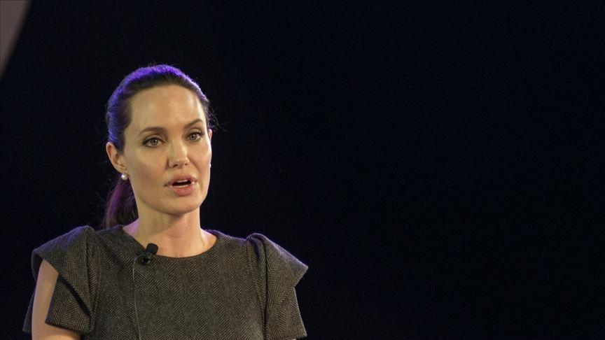 Angelina Jolie Churchill tablosunu 8,3 milyon sterline sattı