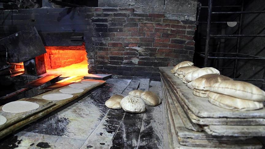 Lübnan'da bir poşet ekmeğin fiyatı 3 bin Lübnan lirası oldu.