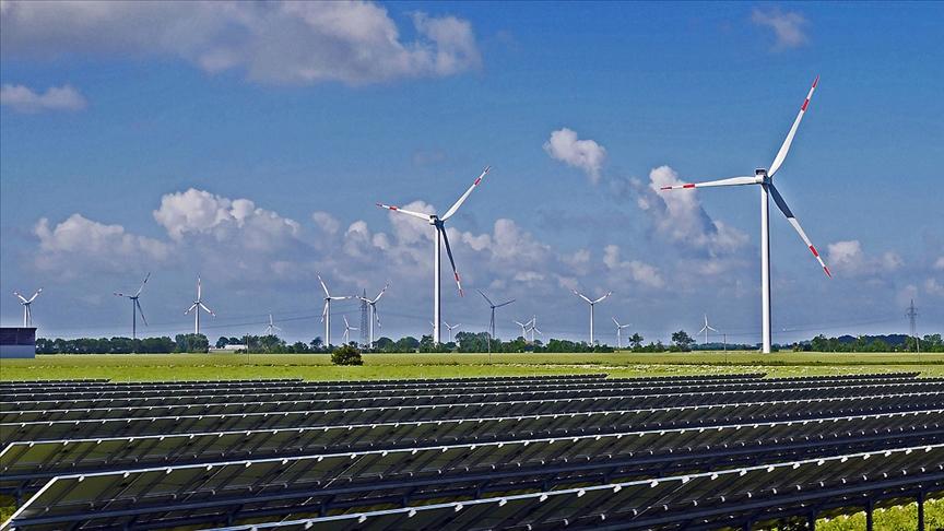 IEA: İklim değişikliğini önlemek için temiz enerji yatırımları 10 yılda 3 katına çıkmalı