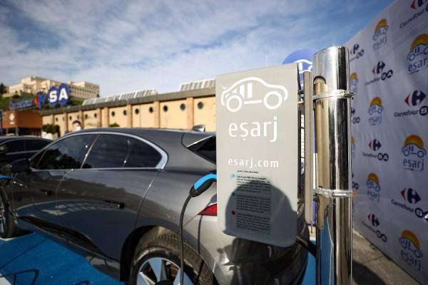 Eşarj ve CarrefourSA'dan elektrikli araç şarj istasyonu için iş birliği
