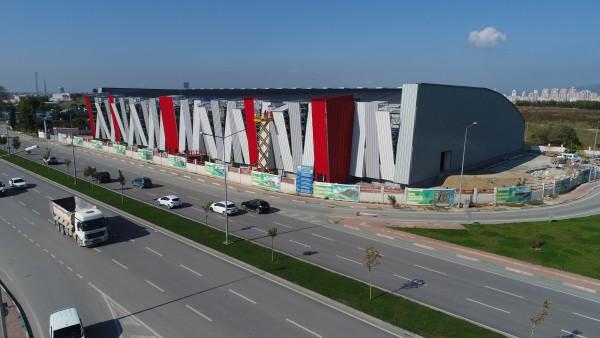 Türkiye'nin en büyük atletizm salonu açılış için gün sayıyor