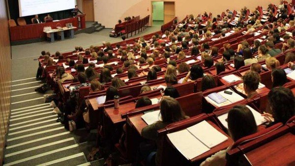 Meslek lisesi ve üniversite öğrencilerine yapay zekâ eğitimi