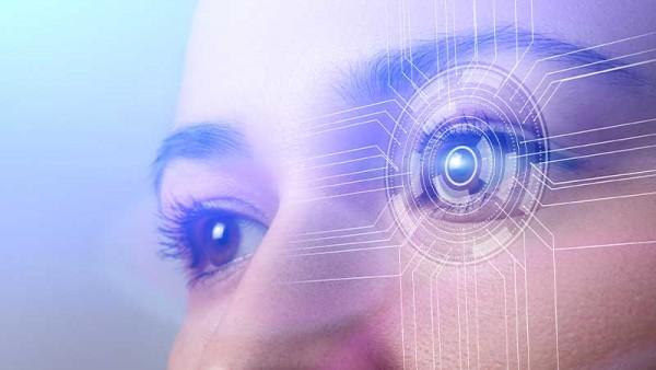 Akıllı lenslerle ömür boyu uzak ve yakını gözlüksüz görmek mümkün