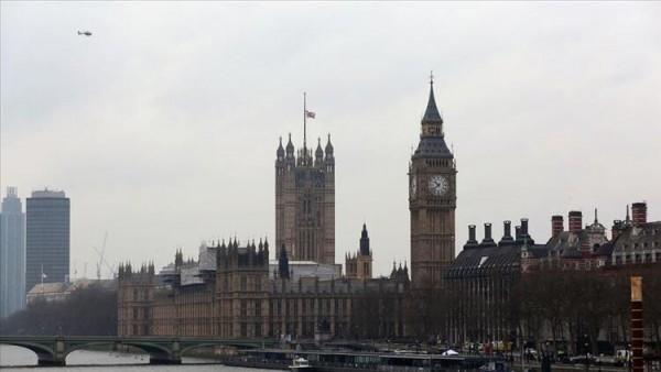 """İngiltere'de hükümete """"100 milyar sterlinlik teşvik"""" çağrısı yapıldı"""