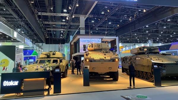 Türk savunma sanayisi firmaları IDEX 2021'de boy gösterdi