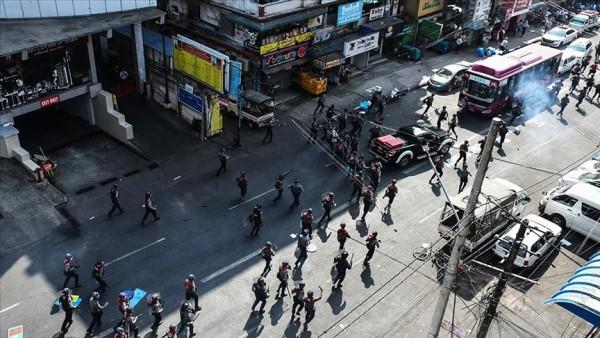 Myanmar'da, ATM'lerden nakit para çekme işlemini sınırlandırdı