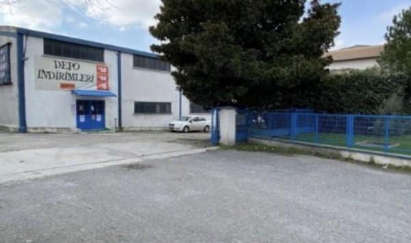 Hisar'ın Esenyurt'taki 33 yıllık fabrikası satışa çıktı.