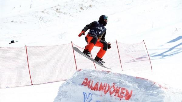 Palandöken snowboard şampiyonasına ev sahipliği yaptı