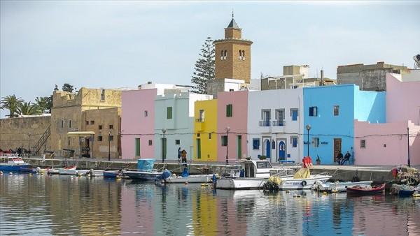 Eski Binzert Limanı tarihi dokusuyla turistlerin en uğrak noktası