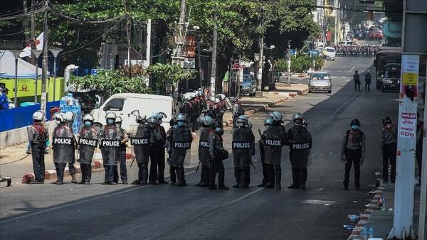 Myanmar'da ordu ile etnik silahlı grup arasında çatışma: 5 ölü