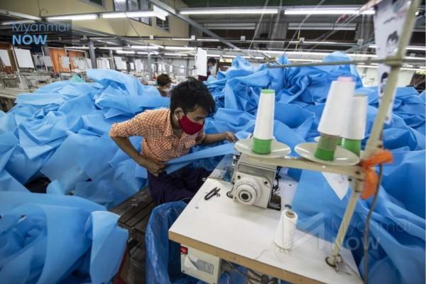 Myanmar'da darbe yüzünden en az 200 bin çalışan işini kaybetti