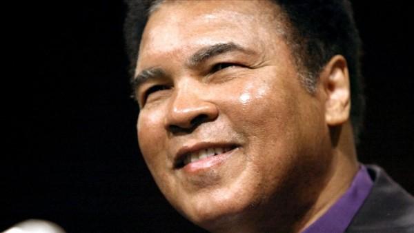 Boksör Muhammed Ali'nin çizimleri yaklaşık 1 milyon dolara satıldı
